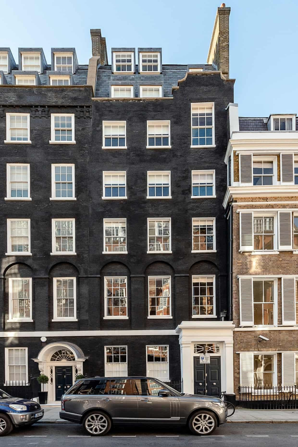 What is driving the demand for high-end homes in London?